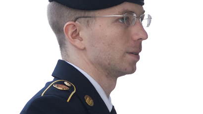 Manning 'ready to pay price for living in free society,' asks Obama for pardon
