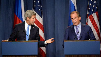 US Secretary of State John Kerry (L) and Russian Foreign minister Sergey Lavrov (R) give a press conference in Geneva following their meeting on Syria's chemical weapons, on September 12, 2013.(AFP Photo / Philippe Desmazes)