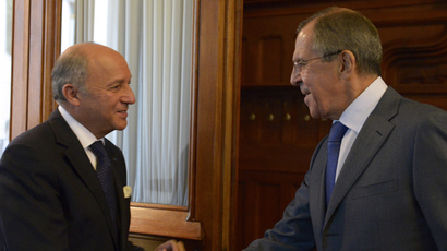 Russian Foreign Minister Sergey Lavrov, right, and his French counterpart Laurent Fabius have a meeting in the Russian Foreign Ministry's mansion (RIA Novosti / Eduard Pesov)