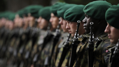Swiss soldiers (AFP Photo / Fabrice Coffrini)