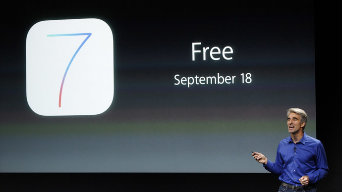 Craig Federighi, Senior VP of Software Engineering at Apple Inc talks about iOS7 during Apple Inc's media event in Cupertino, California September 10, 2013. (Reuters/Stephen Lam)