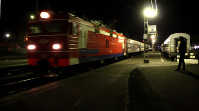 The train allegedly carrying the Greenpeace activists and members of the Arctic Sunrise team during a stop in Petrozavodsk on November 13, 2013. (RIA Novosti / Vladimir Nevolaynen)