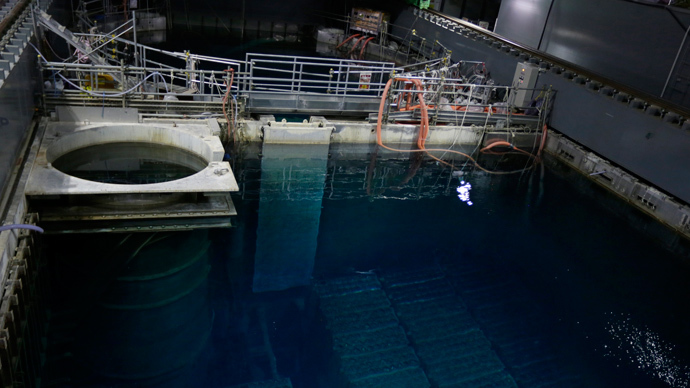 Spent nuclear fuel rods are seen at the nuclear reactor 4 building at Tokyo Electric Power Co.'s (Tepco) Fukushima Dai-ichi nuclear power plant. (AFP Photo / Kimimasa Mayama / Pool)