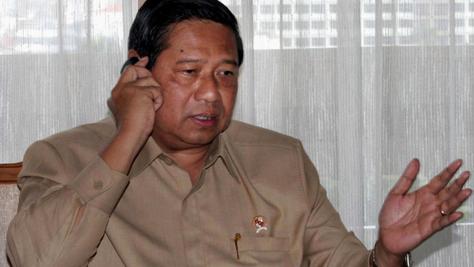 Indonesia recalls its Australian ambassador alleging phone-taps on President Yudhoyono