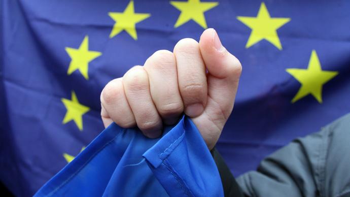 Russia denounces EU over 'harsh pressure' on Ukraine