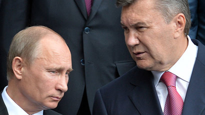Russian President Vladimir Putin (L) and his Ukrainian counterpart Viktor Yanukovych.(AFP Photo / Sergei Supinsky)
