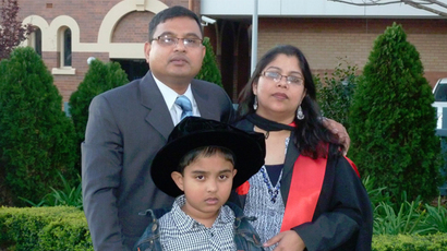 Dr Siuly Kabir (R) and Dr Enamul Kabir (L) with son Srijon (C) (Image from facebook.com @siuly.kabir)