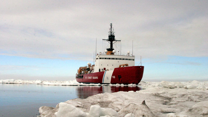 Polar Star, the US Coast Guard icebreaker, completes ice drills in the Arctic in this July 3, 2013 handout photo.(Reuters / US Coast Guard / Petty Officer 3rd Class Rachel)