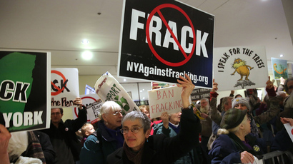 Anti-fracking protesters gather outside of the auditorium before New York Gov. Andrew Cuomo gives his fourth State of the State address on January 8, 2014 in Albany, New York (AFP Photo /  Spencer Platt)