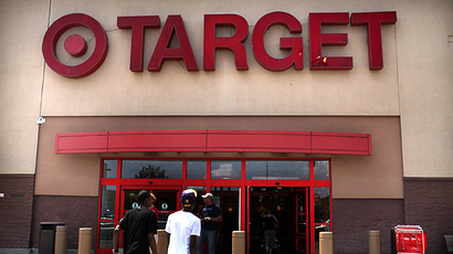 Shoppers enter a Target store in Valley Stream, New York (AFP Photo / Getty Images / Spencer Platt)
