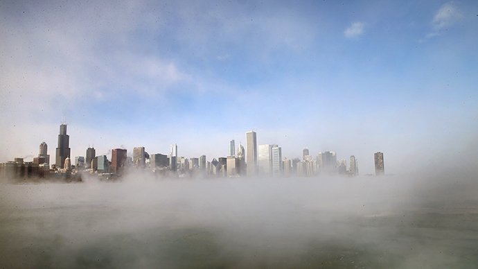 Mist rises from Lake Michigan as temperatures dipped well below zero on January 6, 2014 in Chicago, Illinois. (AFP Photo / Getty Images / Scott Olson)