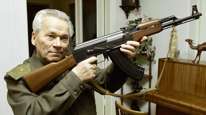 Mikhail Kalashnikov, world famous inventor, with an AK-47 assault rifle.(RIA Novosti / Vladimir Vyatkin)