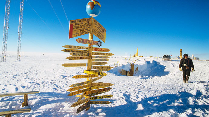 Traffic signs at the Vostok Soviet Antarctic research station in the vicinity of the South Geomagnetic Pole.(RIA Novosti / V. Chistiakov)
