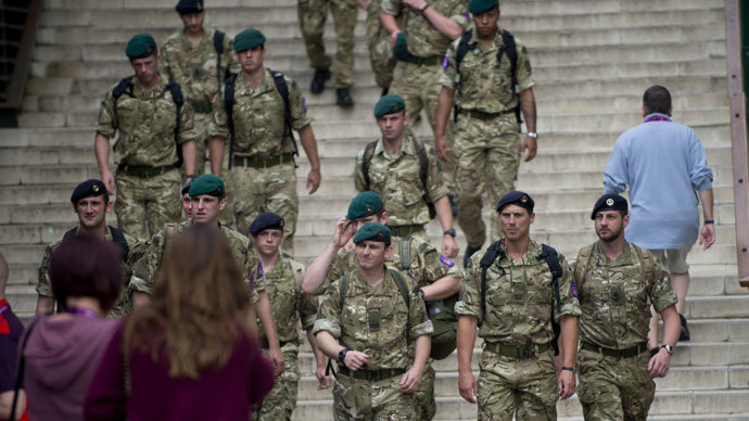 British soldiers patrol the All England Club in London.(AFP Photo / Martin Bernetti )