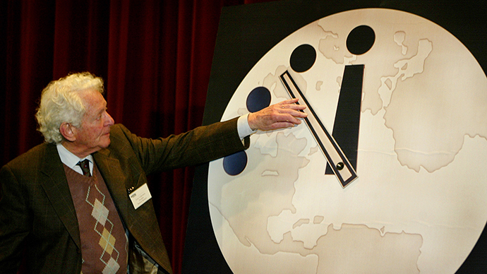 'Doomsday clock' still at five to midnight, scientists warn