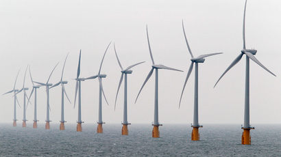 Wind turbines are seen at Thanet Offshore Wind Farm off the Kent coast in southern England (Reuters / Stefan Wermuth)