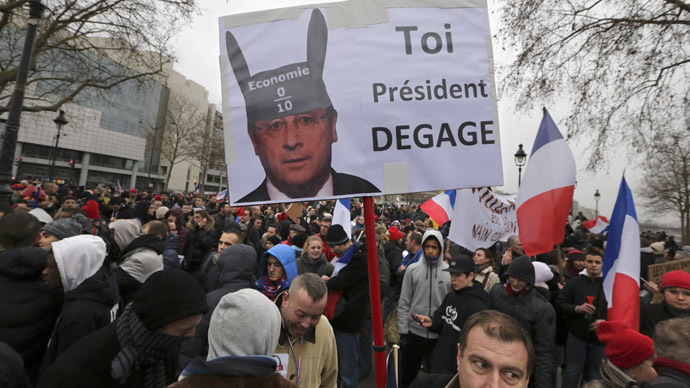 Day of Anger: Thousands rally in Paris to protest Hollande's policies
