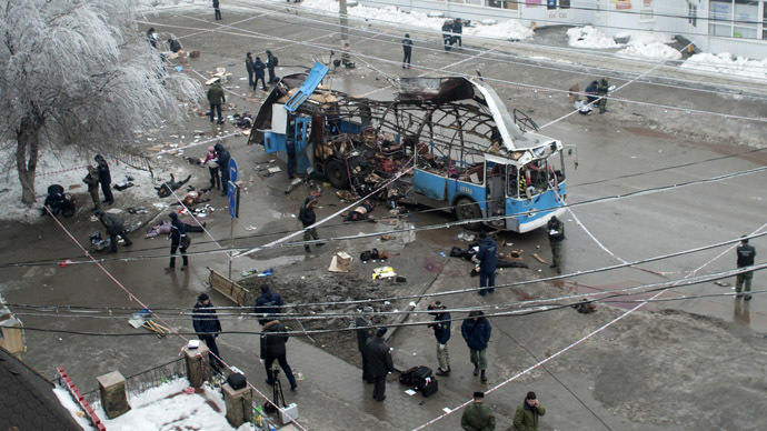 Investigators work at the site of a blast on a trolleybus in Volgograd December 30, 2013. (Reuters)