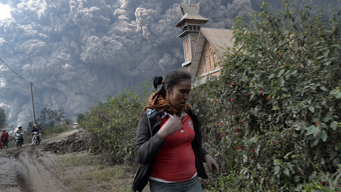 Indonesia volcano erupts killing 16 (PHOTOS)
