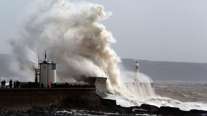 Stormpocalypse: Worst storm 'in quarter of a century' heading for UK