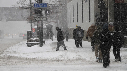 March snowstorm pummels East Coast, shuts down federal government (PHOTOS)