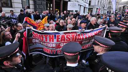 Protestors demonstrate outside the Old Bailey court in London, on February 26, 2014, ahead of the sentencing of Michael Adebolajo and Michael Adebowale for the killing of British soldier Lee Rigby in May 2013 (AFP Photo / Carl Court)