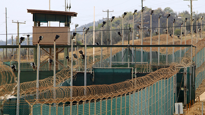 The exterior of Camp Delta is seen at the US Naval Base at Guantanamo Bay (Reuters / Bob Strong)