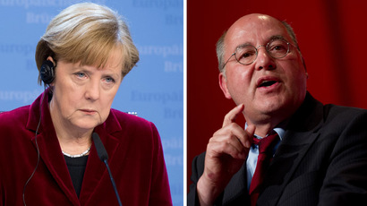 "German Chancellor Angela Merkel and Gregor Gysi (R), parliamentary group leader of the left-wing ""Die Linke"" party (AFP Photo)"