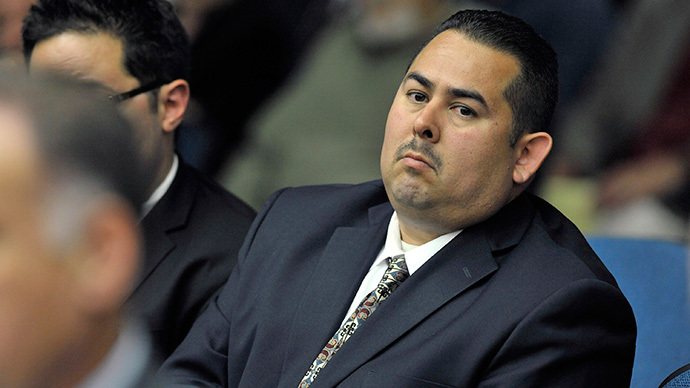 Fullerton police officer Manuel Ramos (R) attends a preliminary hearing on the death of Kelly Thomas at the Orange County Superior Court in Santa Ana, California (Reuters / Joshua Sudock / Pool)
