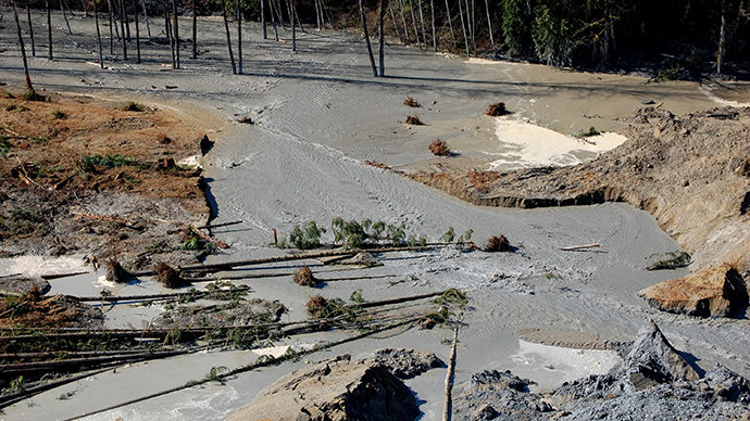 This photo obtained March 25, 2014, courtesy of the Washington State Department of Transportation shows the Stillaguamish dam breach at SR 530, created after the landslide near Oso, Washington, on March 22, 2014 (AFP Photo)