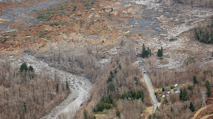 This photo obtained March 26, 2014, courtesy of the Washington State Department of Transportation shows state road(SR) 530 covered in mud from a landslide in Oso, Washington, on March 22, 2014 (AFP Photo)
