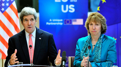 US Secretary of State John Kerry (L) and European Union High Representative Catherine Ashton speak at the start of the 5th EU-US Energy Council at the headquarters of the European Union in Brussels on April 2, 2014. (AFP Photo / Georges Gobet)