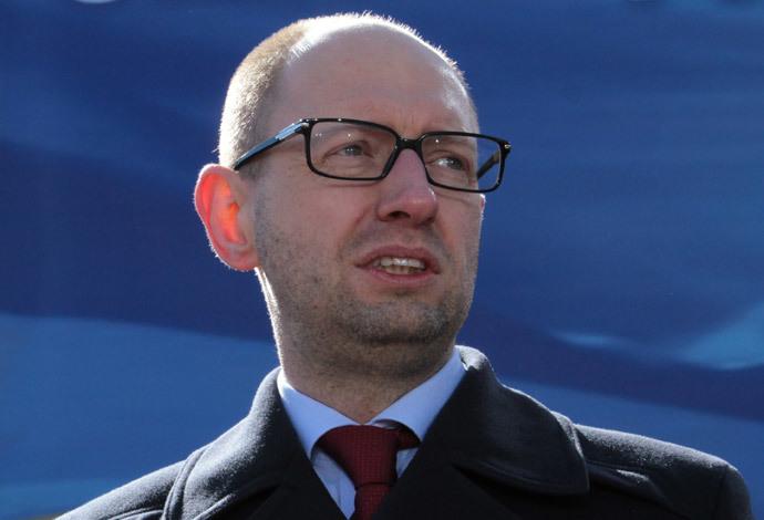http://rt.com/files/news/25/13/00/00/yatsenuk.jpg