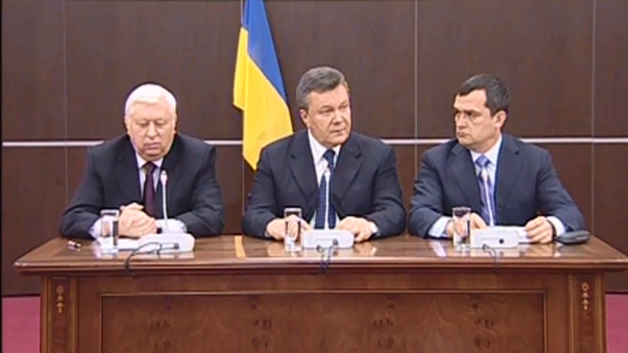 Ukraine on brink of civil war after blood was spilt in east – Yanukovich