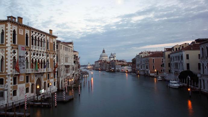 Venice, Grand Canal (Reuters / Manuel Silvestri)
