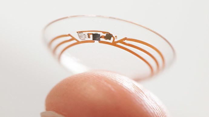Google shows a smart contact lens.(AFP Photo / Google)