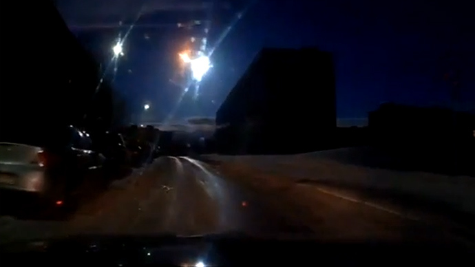 Spectacular fireball from space explodes over Russian city (VIDEO)