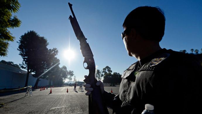 LA cops accused of cutting power to marijuana clinic, planting guns
