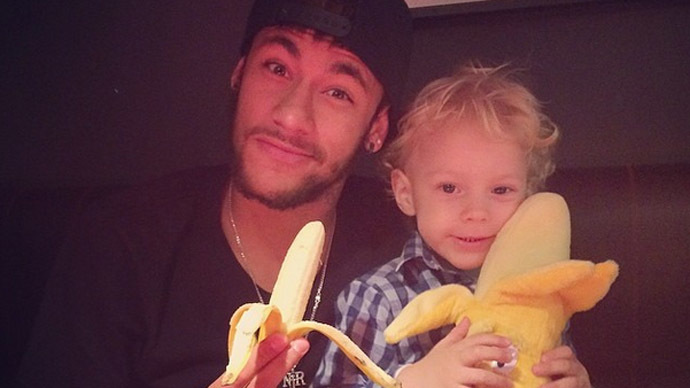 #WeAreAllMonkeys: Neymar, Aguero, Luiz troll racists with 'Alves banana kick'