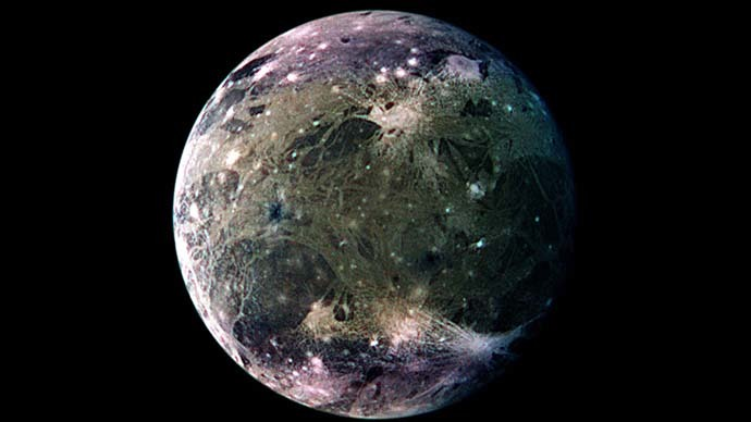 Images of Jupiter's largest moon, Ganymede, from the Galileo and Voyager space missions show a bright flat surface (Reuters / NASA)