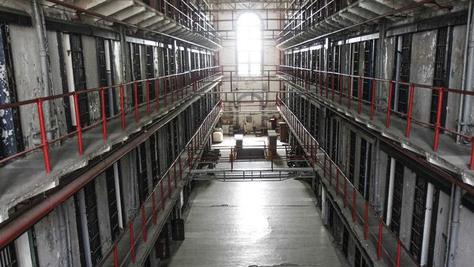 Texas discriminates against Muslim prisoners, judge rules