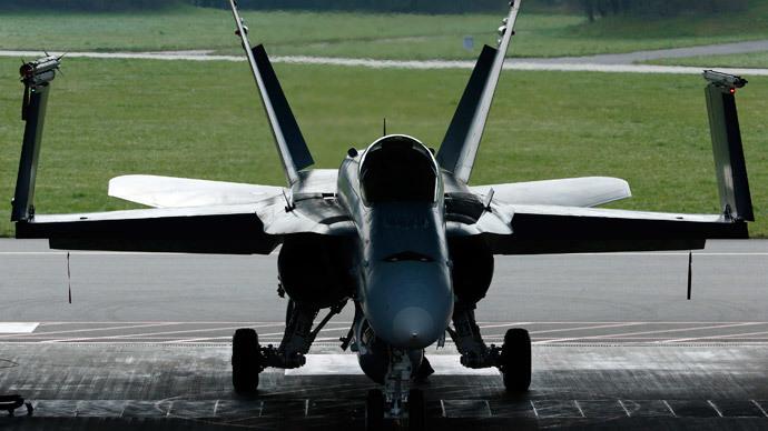 F/A-18.(Reuters / Ruben Sprich )