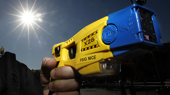 Washington man dies after being tased by four cops