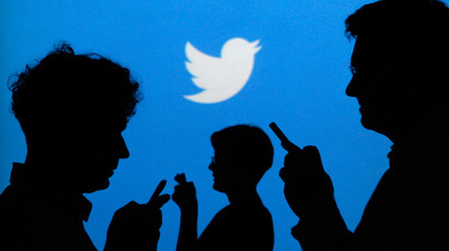 Top Russian official reprimanded over Twitter blocking comment