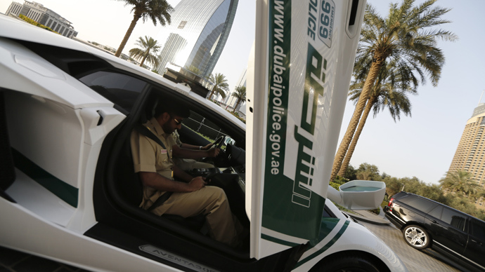 Policemen patrol Gulf emirate of Dubai (AFP Photo / Karim Sahib)