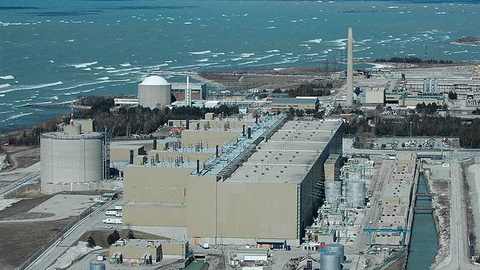 Bruce Nuclear Plant on Lake Huron (Image from wikipedia.org)