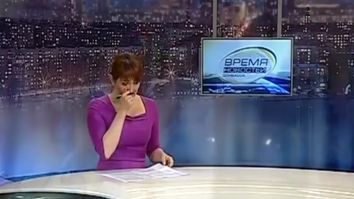 'War is a plague': Donetsk students' pacifist song leaves TV anchor in tears on air (VIDEO)