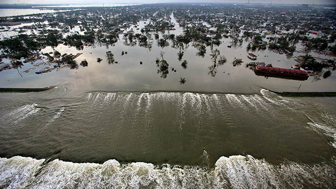 Aerial photograph of the devastation caused by the high winds and heavy flooding in the greater New Orleans area following Hurricane Katrina, August 30, 2005 (Reuters / Vincent Laforet)