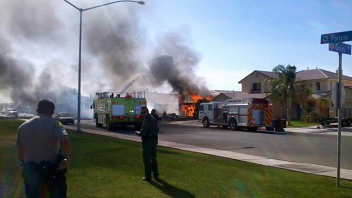 Military Harrier jet crashes into residential area in California (PHOTOS, VIDEO)