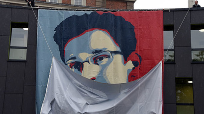 ​'Yes we scan': Graffiti, memes and T-shirts celebrate Snowden's NSA leaks
